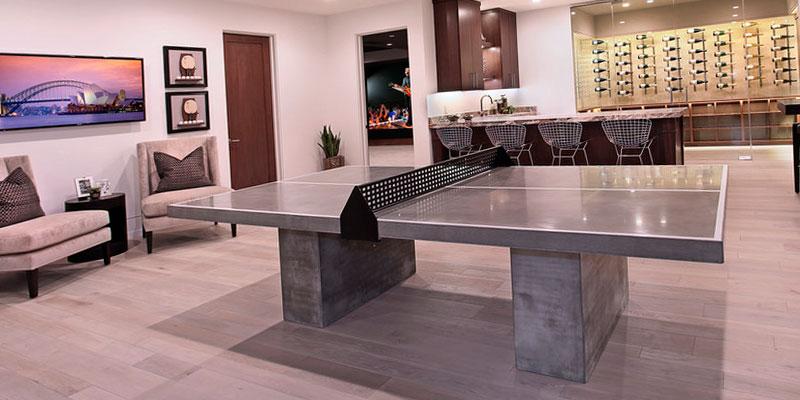 mesa de ping pong de hormigón el el salón